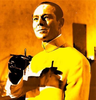 """Dr. Julius No torments 007 in Liddington's """"Reading Machine."""""""